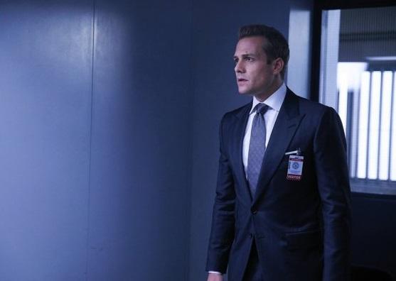 File:S06E03Promo09 - Harvey.jpg