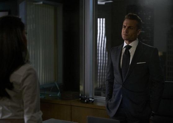 File:S06E02Promo06 - Harvey.jpg