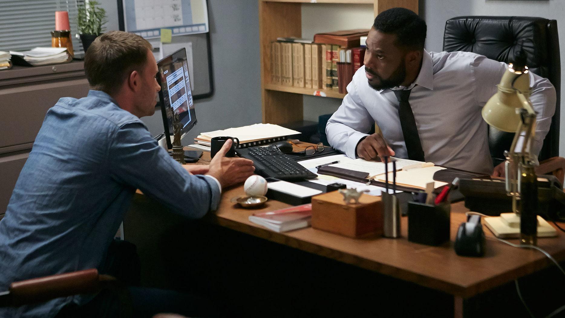 File:S06E05Promo10 - Mike Julius.jpg