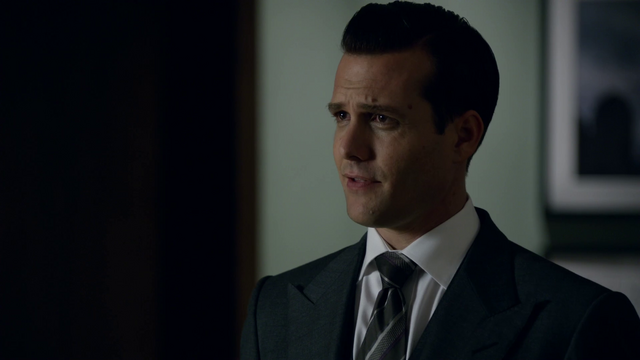 File:S01E04P10 Harvey.png