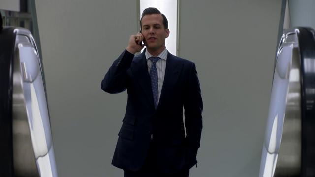 File:S01E02P022 Harvey.png