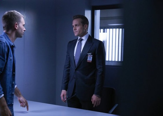 File:S06E03Promo10 - Mike Harvey.jpg