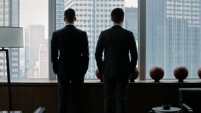 File:Watching the City (2x02).png