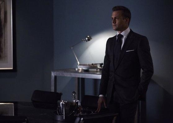 File:S06E02Promo08 - Harvey.jpg