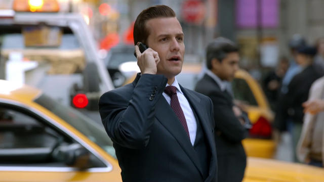 File:S01E05P035 Harvey.png