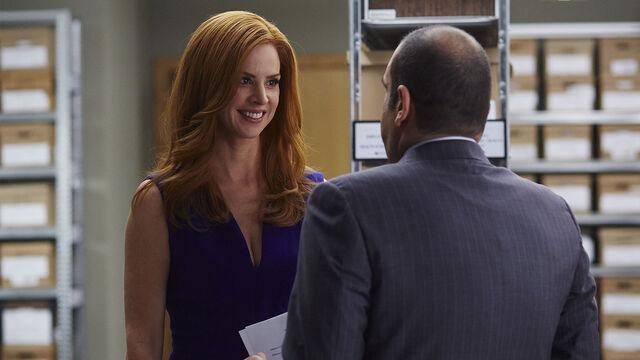 File:S04E15Promo02 - Donna Louis.jpg