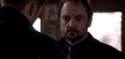 Dean tells Crowley they are not besties 10x02 1
