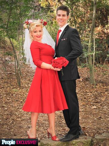File:Sugar Wedding.jpg