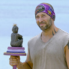 Tony during the Immunity Challenge. (<a href=