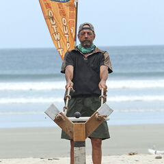 Keith competing at the first individual Immunity Challenge.