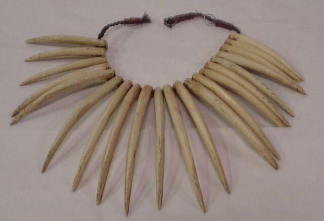 File:Fiji necklace.jpg