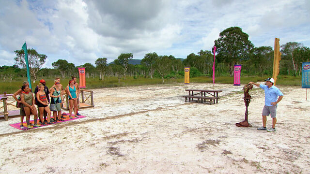 File:S31ep12 Castaways Before Immunity Challenge.jpg
