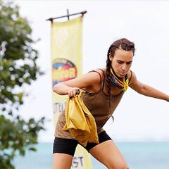 Kristie competing in an Immunity Challenge.