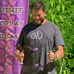 Bret competing for immunity.