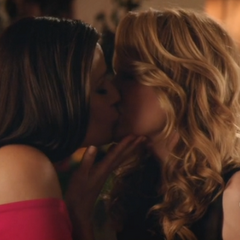 Regina kissing Kathryn on the lips