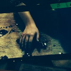 blood spilled in episode 5 Bay hand bleeding you can tell that is Bay nail polish cause Bay wears dark nail polish 3x05