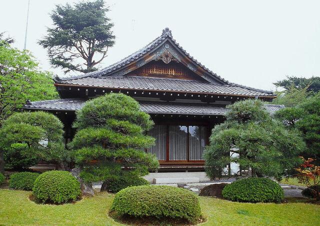 File:61317844.TypicalJapanesehouse.jpg