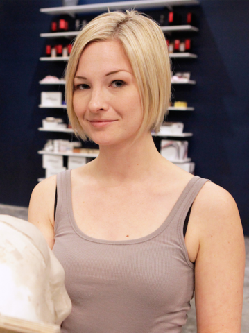 File:S03contestant-Laura.png