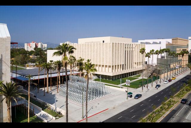 Datei:Wilshire-View.-Los-Angeles-County-Museum-of-Art.jpg