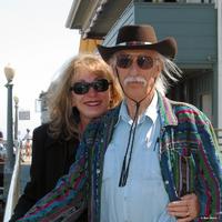 Gayle und Dennis Lynds.png