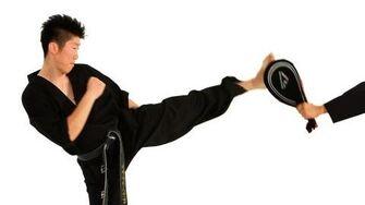 How to Do a Hop Step Roundhouse Kick Taekwondo Training-0