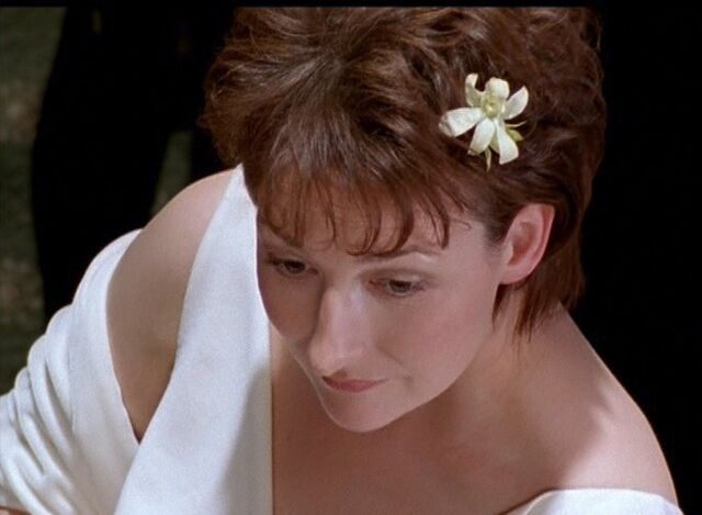 File:Jackie takes her wedding vows in Falling in Love.jpg