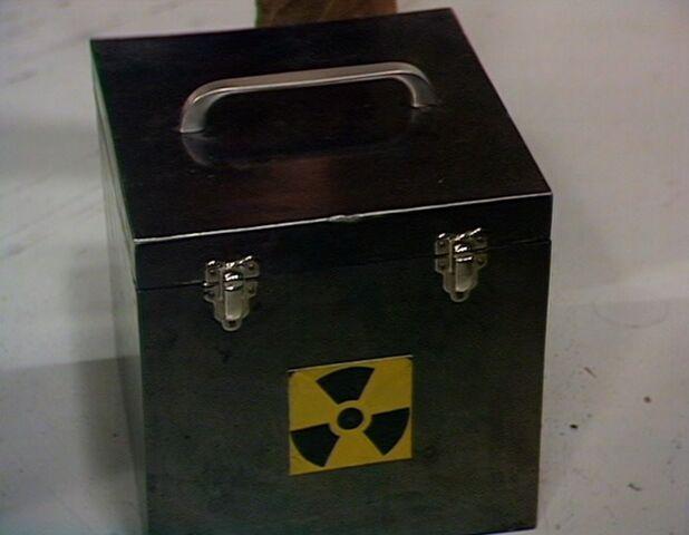 File:Lead-lined box.jpg