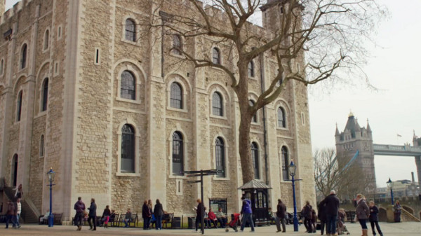File:Tower of London day time.jpg