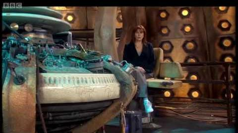 Donna fights with a Sontaran - Doctor Who - BBC