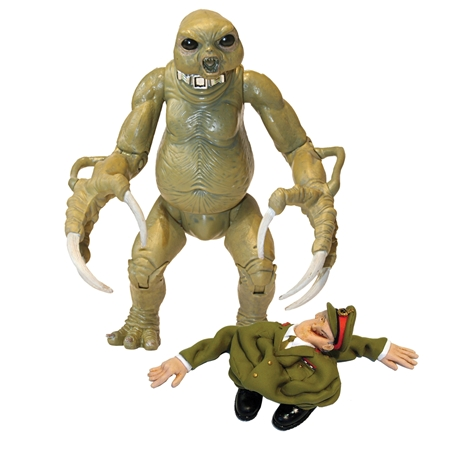 File:CO 5 Slitheen with skin suit.jpg