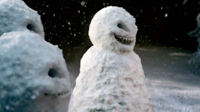 File:Snowmen-in-TheSnowmen.jpg
