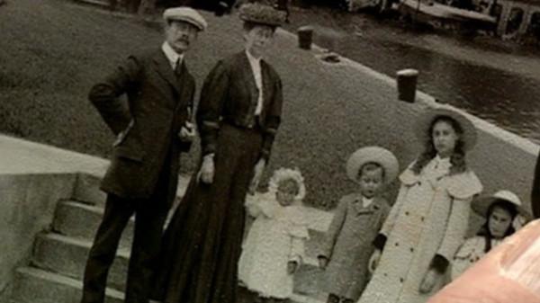 File:Daniels family.jpg