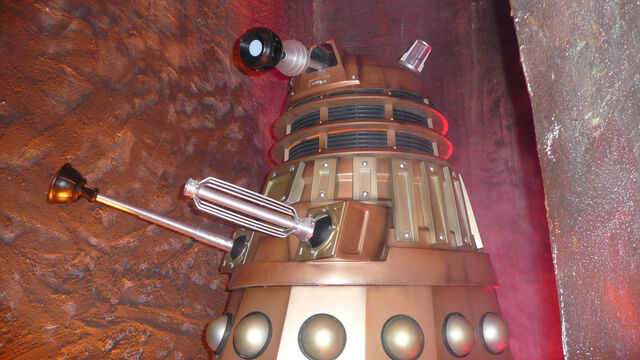 File:DW UpCloseLands End - Dalek1.jpg