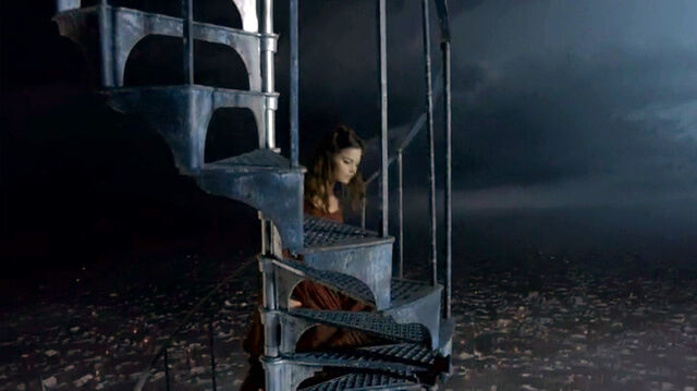 File:Clara-StaircaseClockwise.jpg