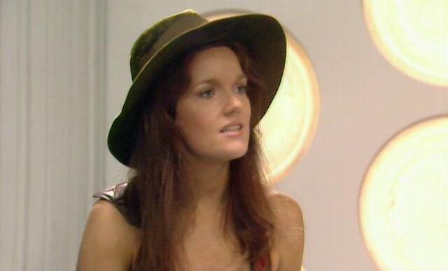 File:Leela in a hat cropped.jpg