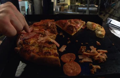 File:Pizza TW Meat.jpg