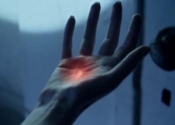 File:Nanorecorder glowing.jpg