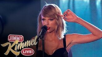 "Taylor Swift Performs ""Out of the Woods""-1416095175"