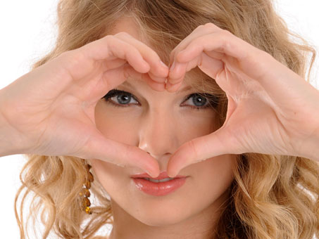 File:Taylor-swift-heart.jpg