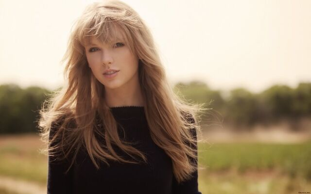 File:Taylor-Swift-2013-HD-Wallpaper-700x437.jpg
