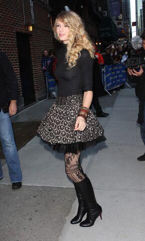 File:Taylor Swift Boots 5.jpg