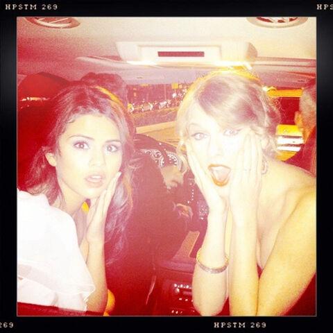 File:Taylor-swift-selena-gomez-peoples-choice-awards.jpg
