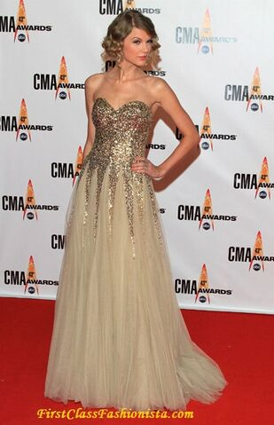 File:Taylor-Swift-at-the-2009-Annual-CMA-Awards.jpeg