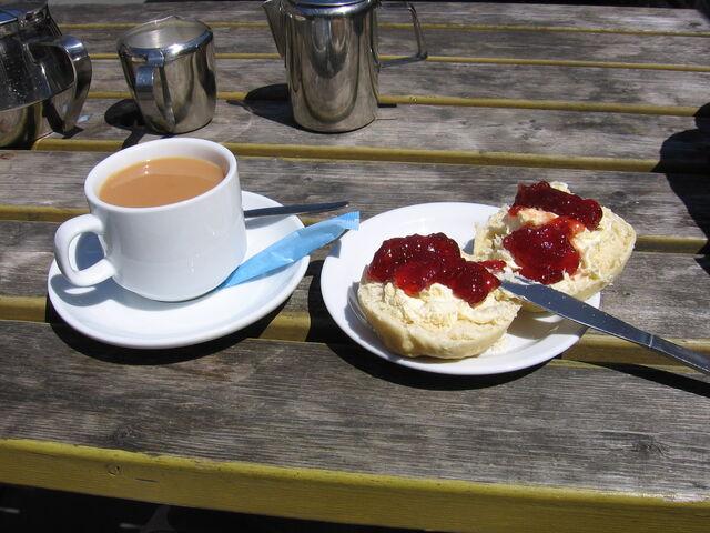 File:Cornish cream tea 2.jpg