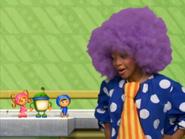 Noseless clown
