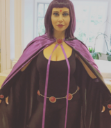 Tara Strong Raven cosplay for Stan Lee Comic COn