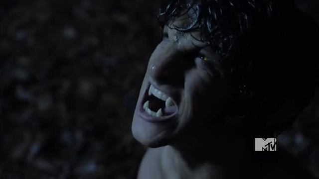 File:1x01 Scott first transformation.png