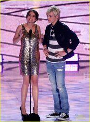 Teen Choice Awards 2013 Ross and Maia (3)
