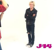 R5-behind-the-scenes-photoshoot-8