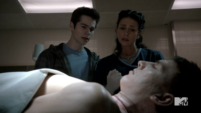 File:Teen Wolf Season 3 Episode 3 Fireflies Dylan O'Brien Melissa Ponzio Stiles and Melissa McCall investigate.png